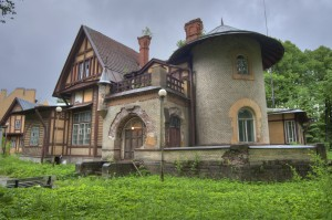 pavlovsk_saint_petersburg-gausvald_cottage_dacha_1898_bolshaya