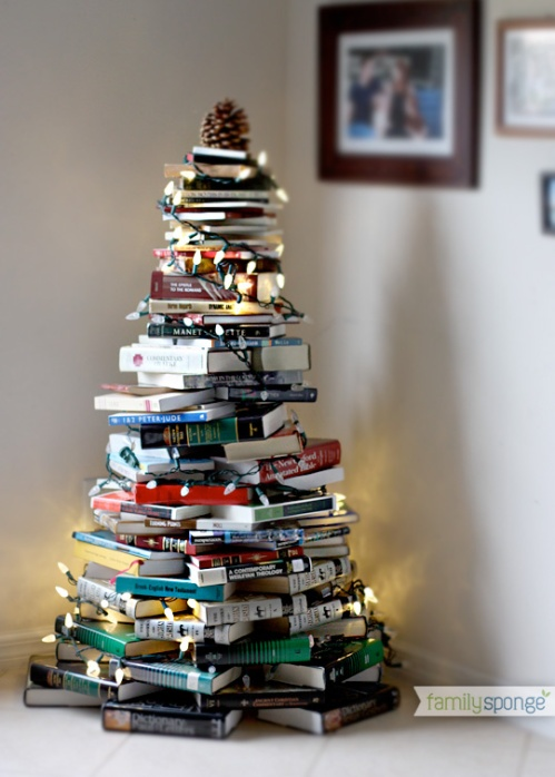 A bookish Christmas tree from http://familysponge.com/wp-content/uploads/2012/11/booktree11.jpg